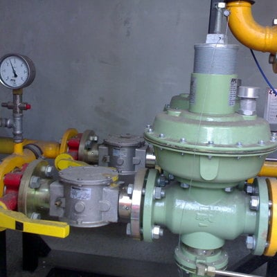 Equipo de regulación de gas para nave industrial en Aviles