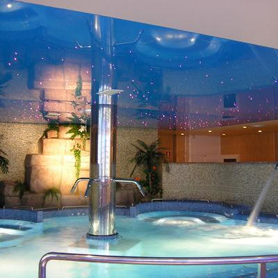 Piscina con hidroterapia