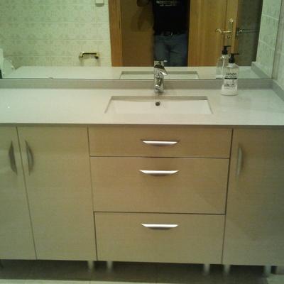 mueble a medida para baño economico