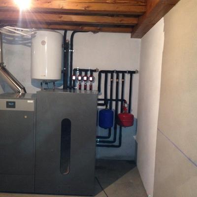Instalación de caldera de pellets en casa rural del norte de navarra