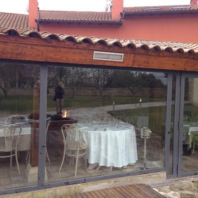 Instalación de estufa de pellets en asador-restaurante de la cuenca de Pamplona
