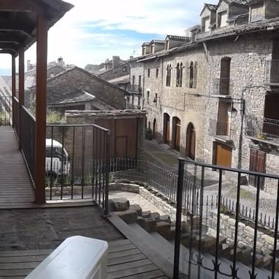 Viviendas y locales comerciales en Ainsa