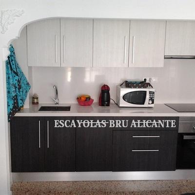 retirar puerta de cocina e instalación de arco de escayola decorativ o a medida