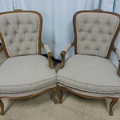 Butacas restauradas y tapizadas.