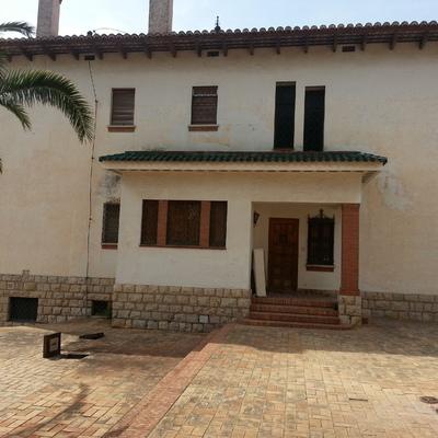 Vista previa fachada chalet en Rocafort.