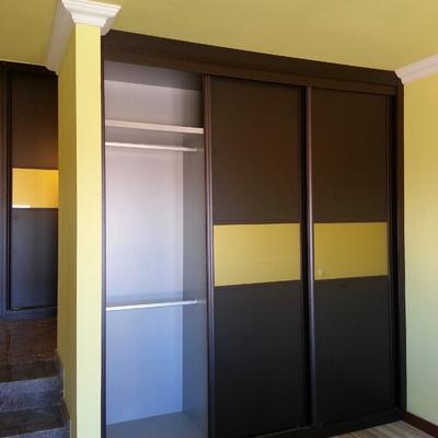 Armario 3 puertas correderas con cristal DORADO