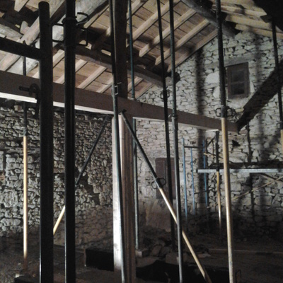 cambiar la biga central de estructura de la casa