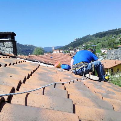 Aislamiento chimenea en tejado