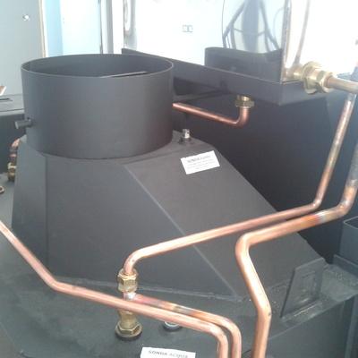 Estufa de leña conectada a radiadores