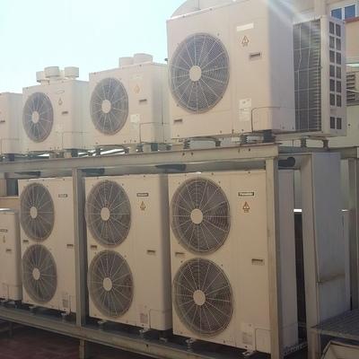Soportación a medida para condensadores en terrado comunitario