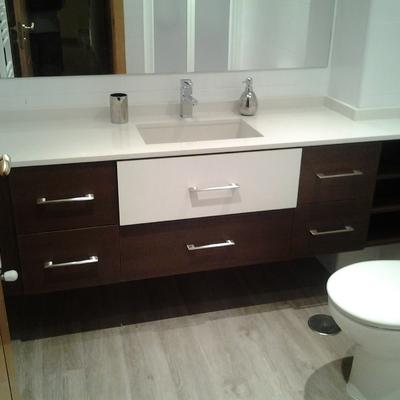 Mueble de baño  color wenge-blanco