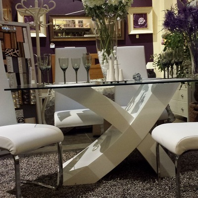 Mesa + sillas promoción