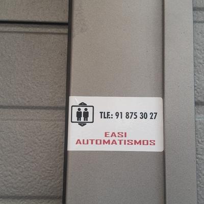 Puerta seccional vivienda particular