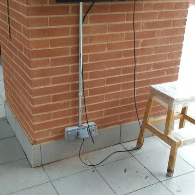 colocacion enchufes y tv en exterior