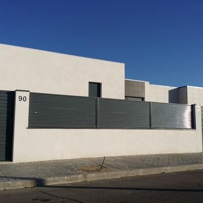 Vallas metalicas baratas vallas peatonales metalicas verja residencial de hierro con lamas z - Casas con parcela baratas cerca de madrid ...