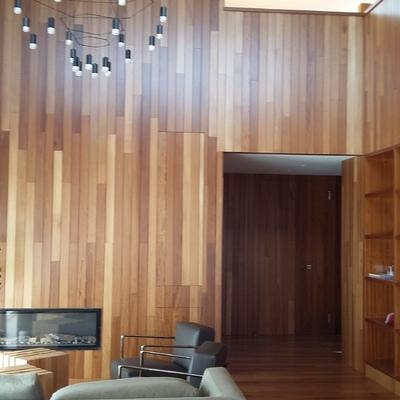 Carpinteria de madera en salon