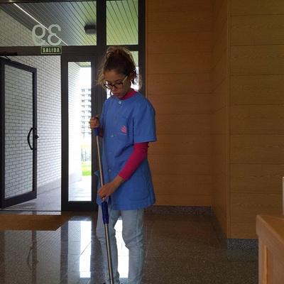 Limpieza y Mantenimiento de Comunidades de Propietarios.
