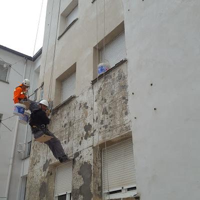 Quitar azulejo y carga con mortero Hidrófugo