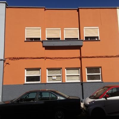 Reparación integral de fachada en edificio.