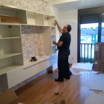Montaje de muebles anclados en pared