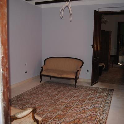 Suelo hidráulico con alfombra decorativa