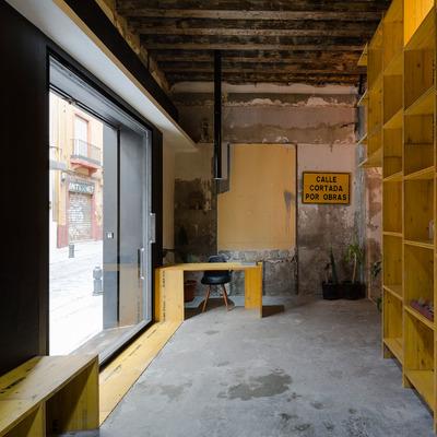 Entrada  a Estudio de Arquitectura CUAC y diseño 2041 en San Jerónimo 17