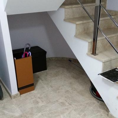 Solucionar hueco debajo de escalera