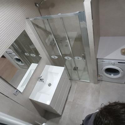 Reforma de baño con instalación para lavadora