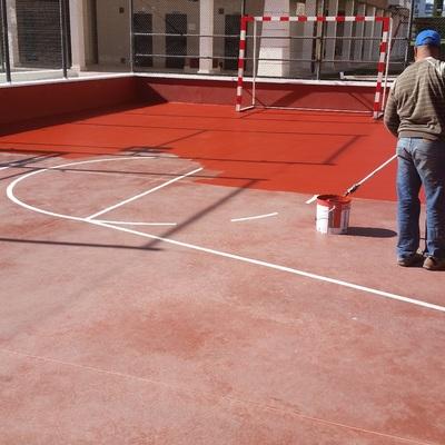 Saneado y pintado de pistas de fútbol sala en comunidades de vecinos