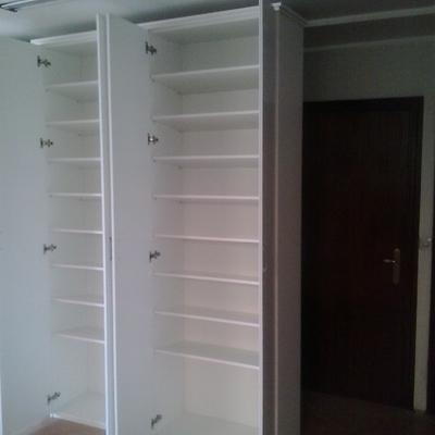 armario empotrado abierto lacado en blanco
