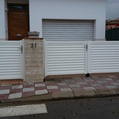 Puerta peatonal i de garaje de aluminio lama Y
