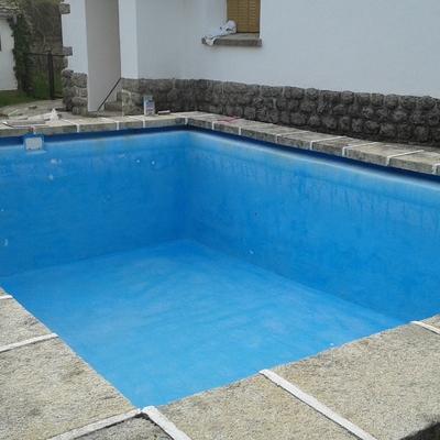 Reparación y pintado de piscina