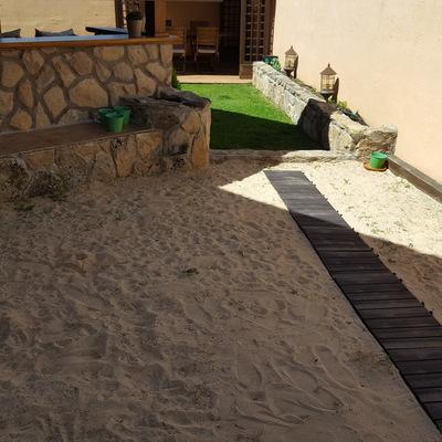Terreno (arenero) antes de la instalación del cesped artificial