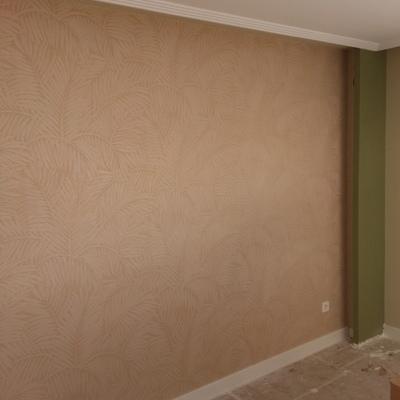 empapelar pared salon