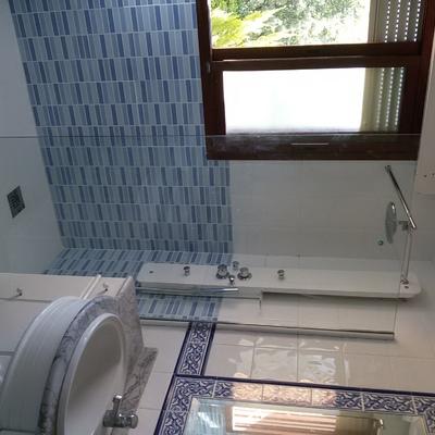 Cambio de bañera por plato de ducha y mampara.