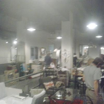 tienda bajo reformas