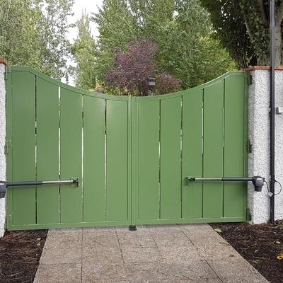 Puerta abatible