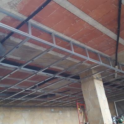Colocación de techo de madera