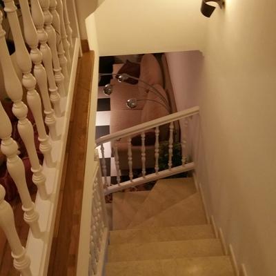 Esmaltado de balaustres en escalera.