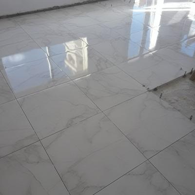 Pavimento porcelánico colocado en vivienda