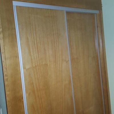 frente armario empotrado roble--hojas correderas