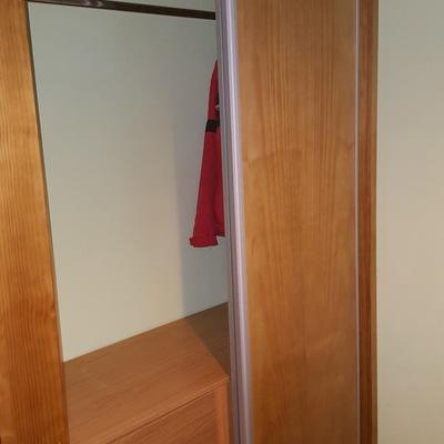frente armario empotrado tintado-- hojas correderas
