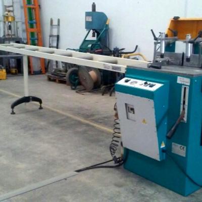Maquinaria del interior del taller