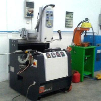 Maquinaria del interior del taller II