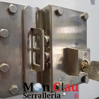cerrojo de seguridad marca YALE