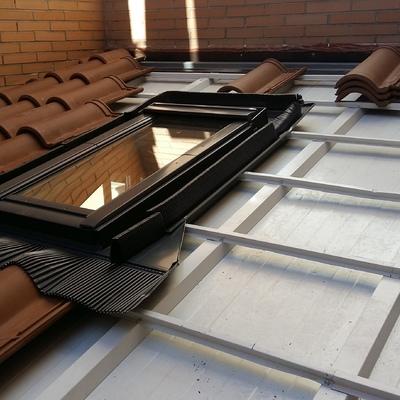 Colocacion de perfiles metalicos Omega y montaje de ventana velux