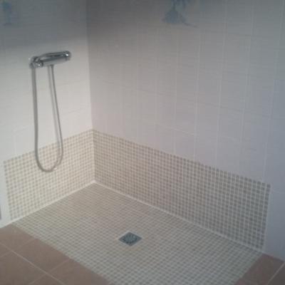 Terminación ducha con gresite.