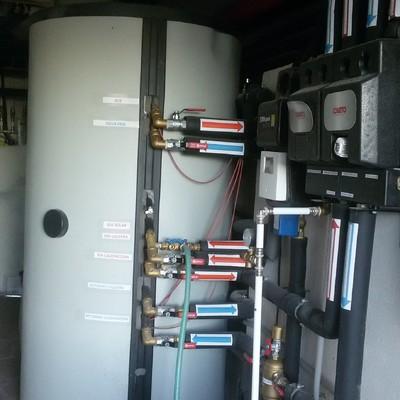 Instalacion paneles solares con deposito tank-in-tank + disipacion piscina+suelo radiante+radiadores+caldera de gasoil