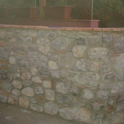 Muro en piedra a dos cara