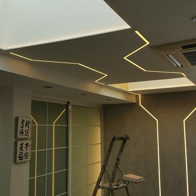 techo y paredes de pladur con microcemento y led